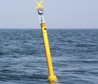 Spar buoy with click detector (POD) for harbour porpoise detection