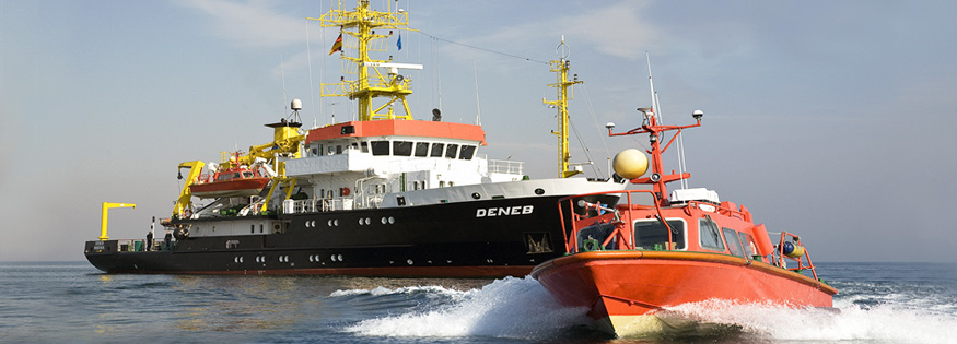 BSH ship DENEB with surveying vessel